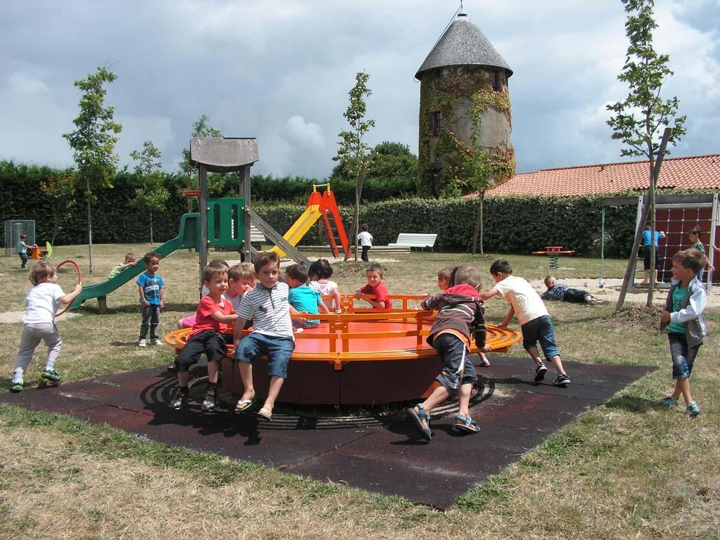 Activit s d 39 t enfance et jeunesse for Au jardin d enfant