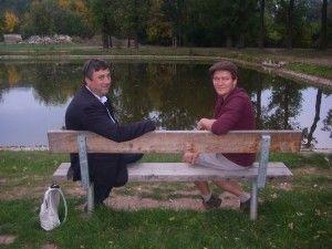 Pause au plan d'eau, Monsieur le maire et Monsieur Radim Wolak, le maire de Velvary.