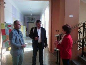 Visite de l'école primaire de Velvary (CP à 3ème) avec Mr Petr Dosek, le directeur et Mme Elen Cernikova, ancienne directrice.