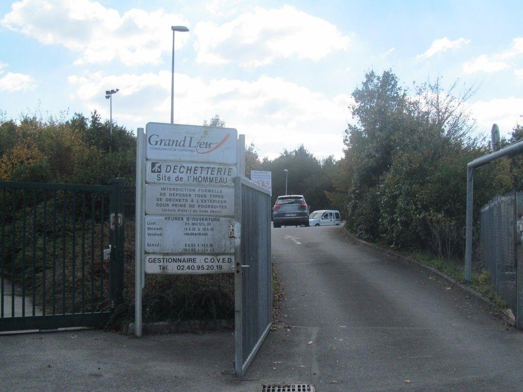 Il Existe Quatre Déchetteries Sur Le Territoire Intercommunal : à Geneston,  à La Chevrolière, à Saint Lumine De Coutais Et à Saint Philbert De Grand- Lieu.